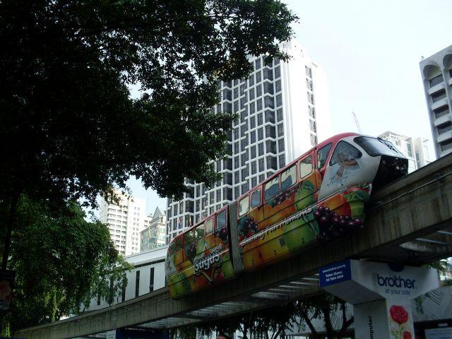 Zdjęcia: Kuala Lumpur, Kuala Lumpur, ... koleją.... wyżej... ?, MALEZJA