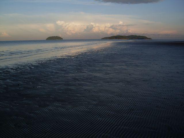Zdjęcia: Borneo-Kota Kinabalu, Sabah, ... przed przypływem..., MALEZJA