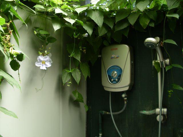 Zdjęcia: Borneo-Kota Kinabalu, Sabah, ... hostelowa łazienka w KK...., MALEZJA