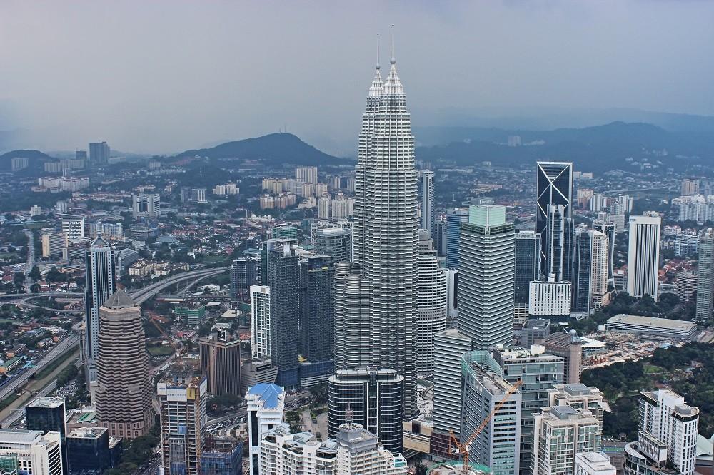 Zdjęcia: Menara, Kuala Lumpu, Widok z wieży na wieże, MALEZJA