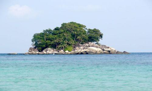 Zdjecie MALEZJA / Tioman / północne wybrzeże wyspy / wysepka