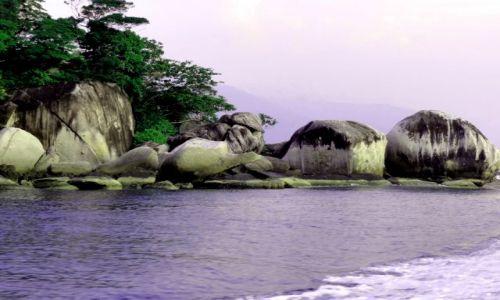 Zdjecie MALEZJA / Tioman / pd wybrzeże / granitowe skały