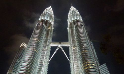 Zdjęcie MALEZJA / Kuala Lumpur / Kuala Lumpur / Petronas by night