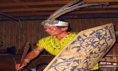 MALEZJA / Borneo /   / Potomek łowców głów z plemienia Iban