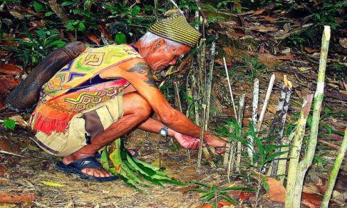 MALEZJA / Borneo / Sarawak / Z plemienia Iban