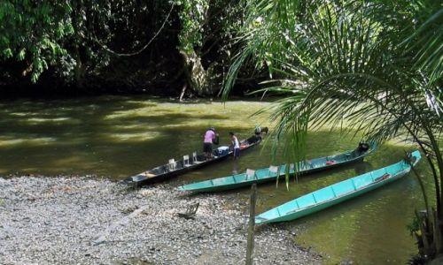MALEZJA / Borneo  / Sarawak / Jedyny środek transportu w tym rejonie