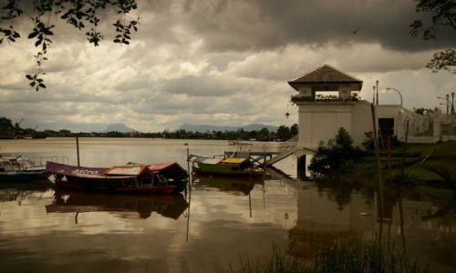 Zdjecie MALEZJA / Borneo , Sarawak / Kuching / Nad rzeka