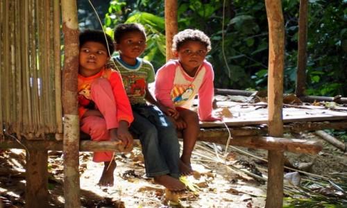 MALEZJA / środkowa część Płw. Malajskiego / Taman Negara / Dzieciaki