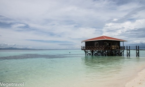 Zdjecie MALEZJA / Sabah / Semporna / Jedna z rajskich wysp koło Semporny