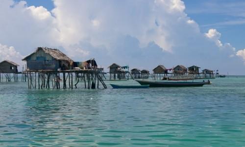 MALEZJA / Borneo / Archipelag Semporna, Bodgaya / Życie na wodzie