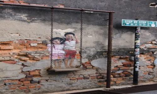 Zdjęcie MALEZJA / Penang / Georgetown / Na huśtawce