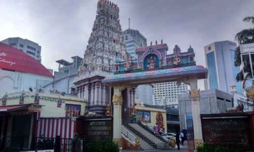MALEZJA / -Azja / Johor Bahru / ŚWIĄTYNIA Arulmigu Sri Rajakaliamman Glass Temple