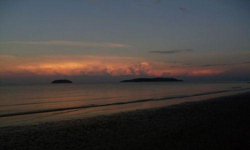 Zdjęcie MALEZJA / Sabah / Borneo-Kota Kinabalu / ... pobódka na Aru Beach...