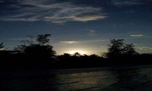 Zdjęcie MALEZJA / Sabah / Borneo-Kota Kinabalu / ... to jest wschód ...