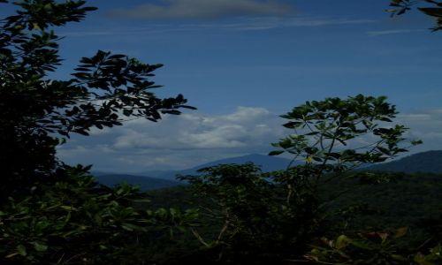 Zdjęcie MALEZJA / Sabah / Borneo- droga KK-Sandakan / ... góry Borneo... te mniej uczęszczane....