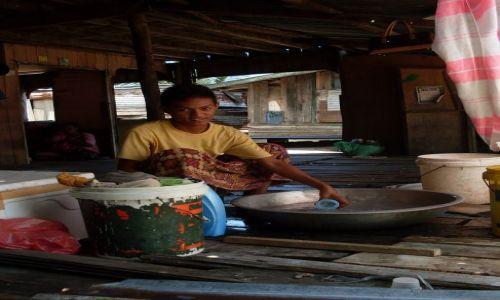 Zdjęcie MALEZJA / Sabah / Borneo-Berhala / ... piorę ...