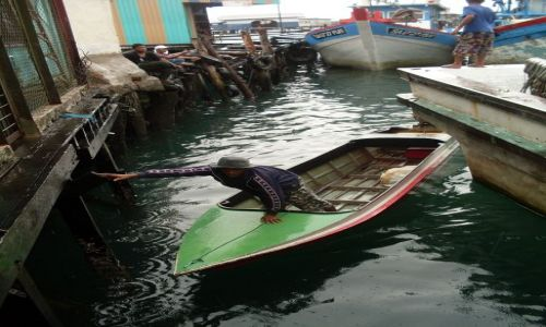 Zdjęcie MALEZJA / Sabah / Borneo-Kunak / ...  ciągle pada ...