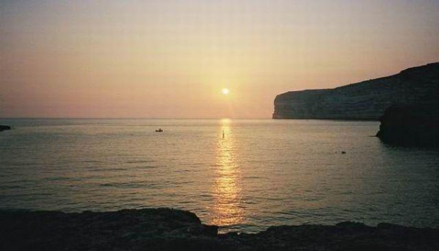 Zdjęcia: Zatoka Xlandii, Wyspa Gozo, Zachod słońca w  Xlandii, MALTA