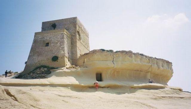 Zdjęcia: Zatoka Xlandii, Wyspa Gozo, piaskowy nasyp w  Xlandii, MALTA