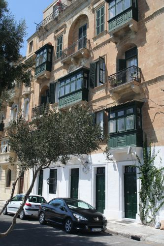 "Zdjęcia: Valetta, Malta, ""Nowa"" kamienica, MALTA"