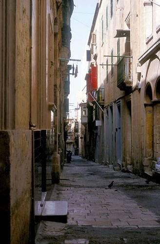 Zdjęcia: Valletta, Zapomniana uliczka, MALTA