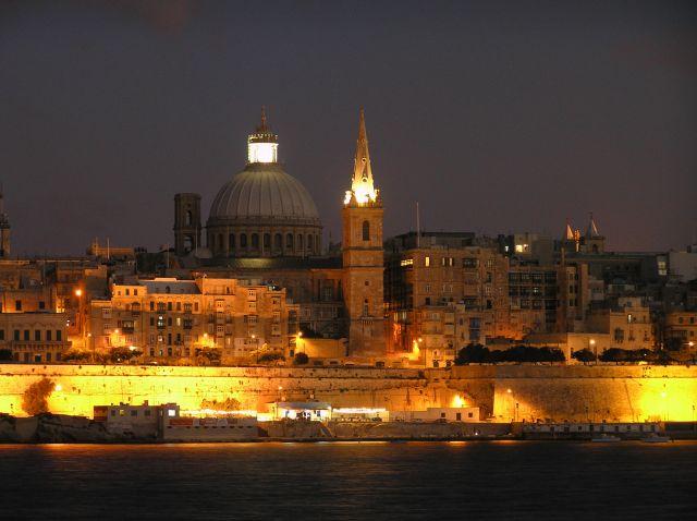 Zdjęcia: La Valletta, La Valletta, stolica nocą, MALTA