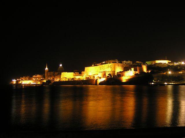 Zdj�cia: La Valletta, La Valletta, stolica noc�2, MALTA
