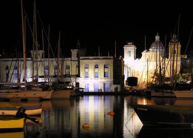 Zdj�cia: sanglea, trzy miasta, nocny port , MALTA
