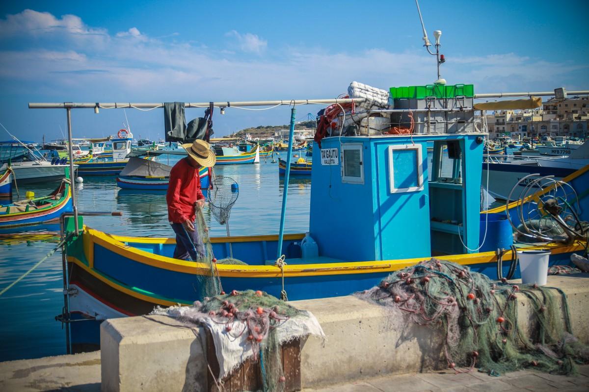 Zdjęcia: Marsaxlokk, Marsaxlokk, Poranek wędkarza, MALTA