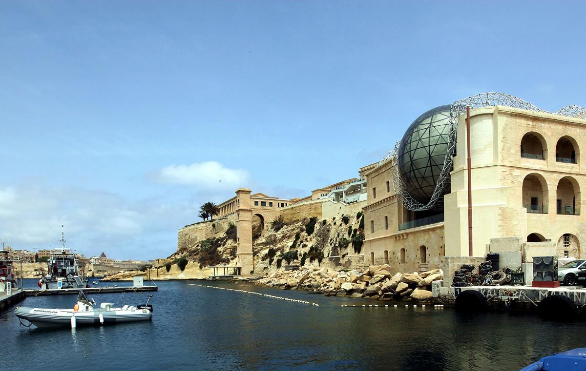 Zdjęcia: Fort Saint Angelo, Birgu, czyli Vittoriosa, Widok na Mediterranean Film Studios w Kalkara, MALTA