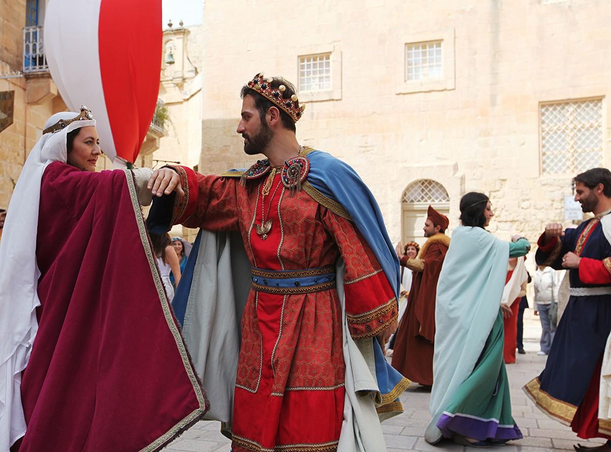 Zdjęcia: Festiwal Średniowieczny, Mdina, Para królewska w tańcu, MALTA