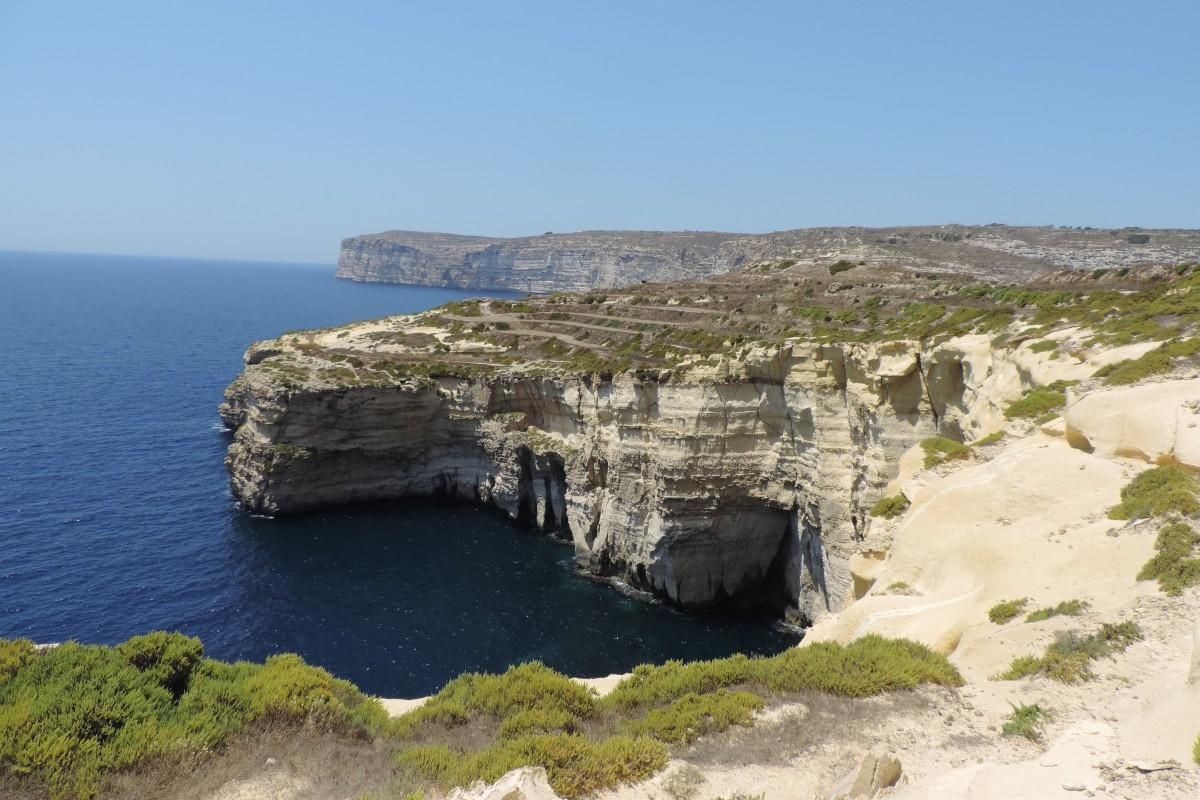 Zdjęcia: Klify przy Xlendi Bay, Gozo, Klify przy Xlendi Bay, MALTA