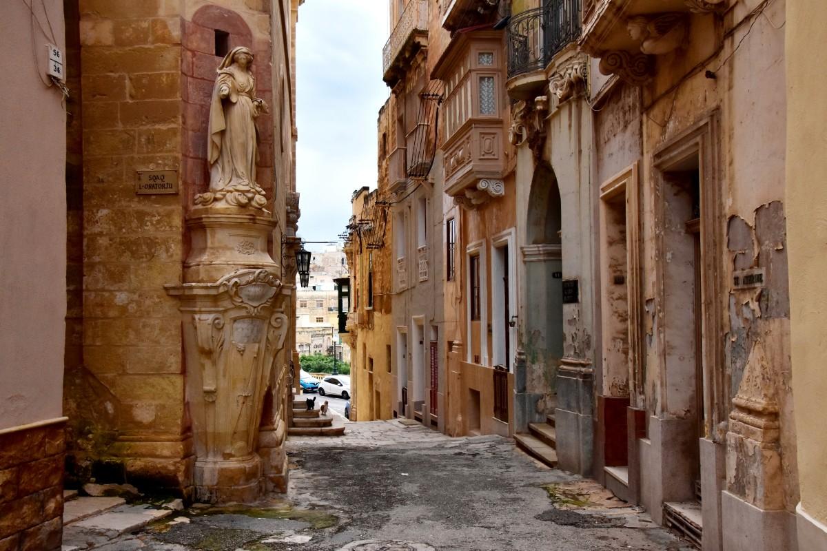 Zdjęcia: Bormla, wschodnie wybrzeże, Spacerując ulicami Bormli, MALTA