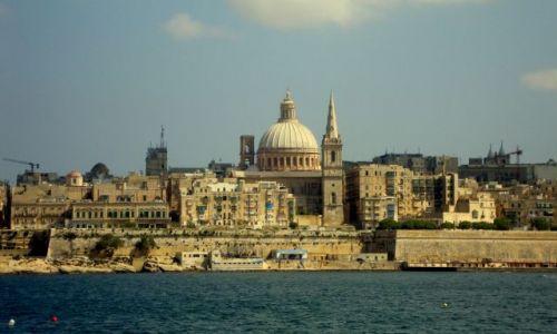 Zdjecie MALTA / - / valletta / widok na Valletta z Sliema