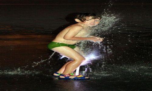 MALTA / Malta / Valetta / Konkurs - Chłopiec i fontanna