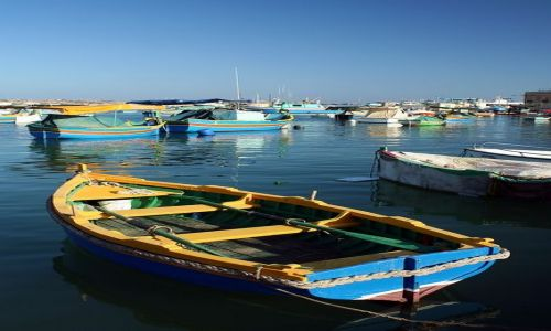 Zdjecie MALTA / Malta / Marsaxlokk / Kolorowe łódki