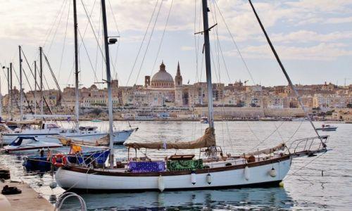 Zdjecie MALTA / - / Valletta / Między masztami
