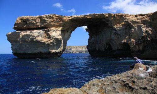 Zdjecie MALTA / Gozo / Lazurowe okno / Na rybach