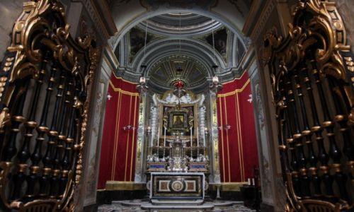 Zdjęcie MALTA / Malta centralna / Mdina, Katedra św. Pawła / Przed obrazem