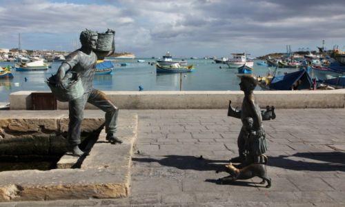 Zdjecie MALTA / Marsaxlokk / Port rybacki / Powrót taty