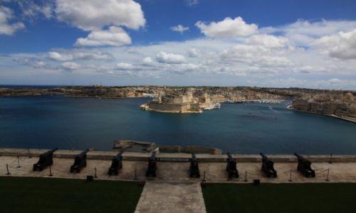 Zdjecie MALTA / Valletta / Górne ogrody Barrakka / Bateria armat