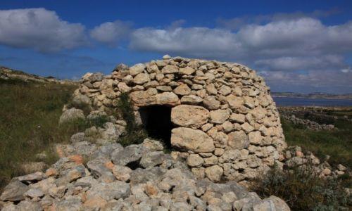 Zdjęcie MALTA / Melieha / w drodze do Cirkewwa / Kamienne budowle