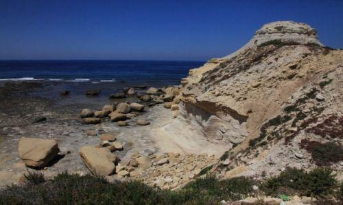 Zdjęcie MALTA / Gozo / Marsalforn / Klifowe wybrzeże