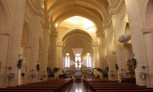 Zdjecie MALTA / Gozo /  Gnajnsielem / Kościół parafialny pw. św Małgorzaty z Antiochii, wnętrze