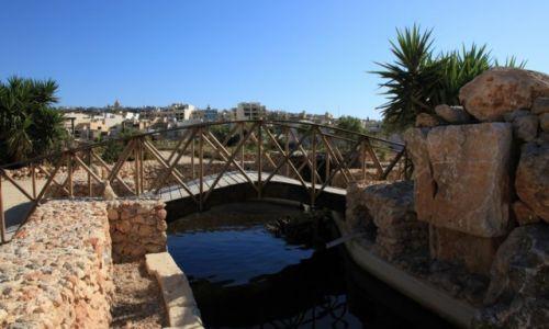 MALTA / Gozo / Bethlehem f'Ghajnsielem / Mostek