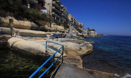 MALTA / Gozo / Marsalforn / Promenada