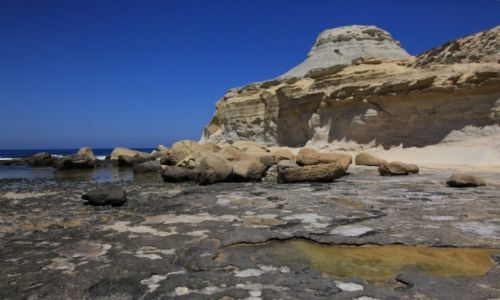 Zdjęcie MALTA / Gozo / Marsalforn / Brzeg