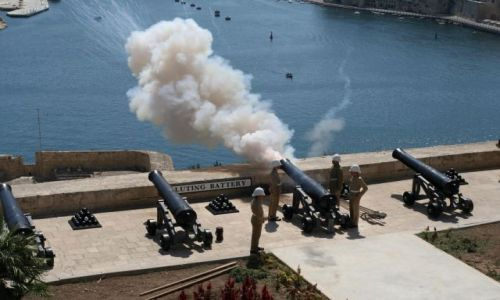 Zdjecie MALTA / Malta / Valetta / FIRE !