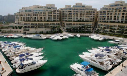 Zdjęcie MALTA / Malta / Paceville / Inland Sea