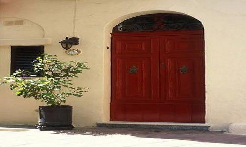 Zdjecie MALTA / brak / Rabat / Czerwone drzwi